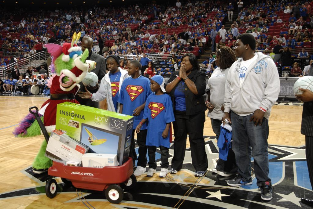 The Orlando Magic celebrated Christmas in a BIG way surprising the McKinley family during the Magic vs. Celtics matchup on Christmas day.